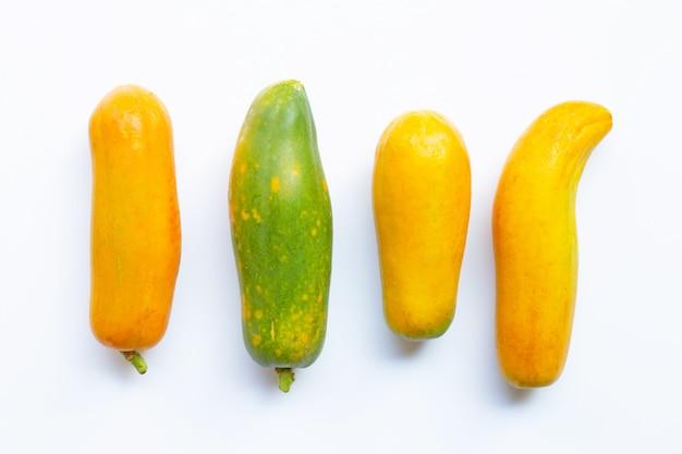 Papajafruit op witte lijst