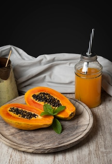 Papaya fruit en papaya sap
