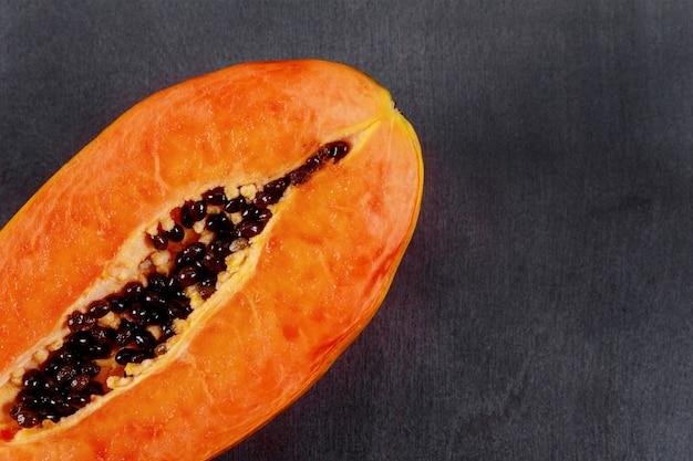 Papaya fruit, zoete rijpe verse papaja, rauw veganistisch eten