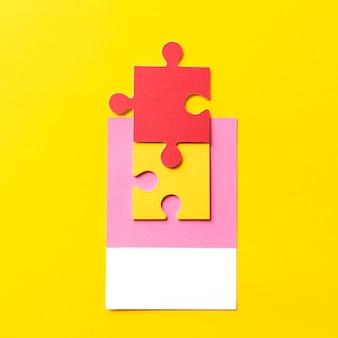 Papier ambachtelijke kunst van puzzel stuk