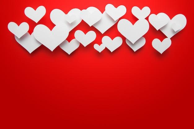 Papier gesneden hart vorm van achtergrond.