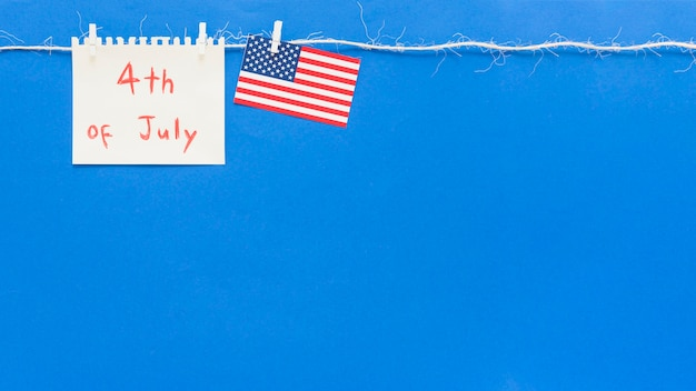 Papier met bericht voor independence day