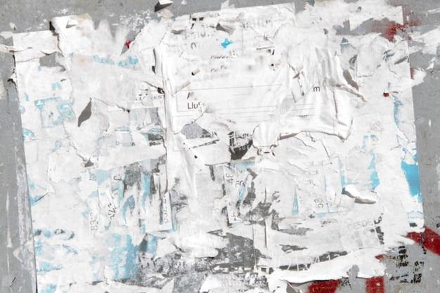 Papier ontleden op een muur