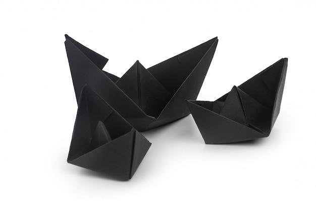 Papier schepen geïsoleerd op wit