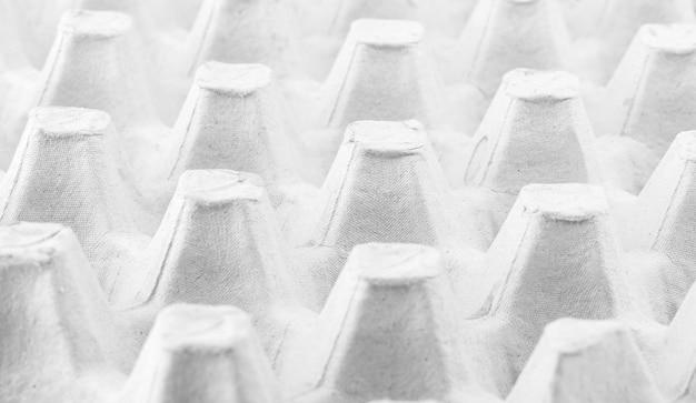 Papieren bakje eierpakket. karton gemaakt voor eierdoos leeg. eierbakje of karton gemaakt van papier achtergrond.