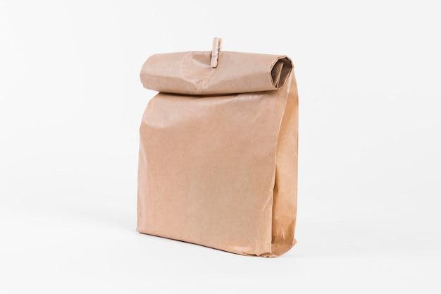 Papieren draagtas om te winkelen met houten slip vooraanzicht