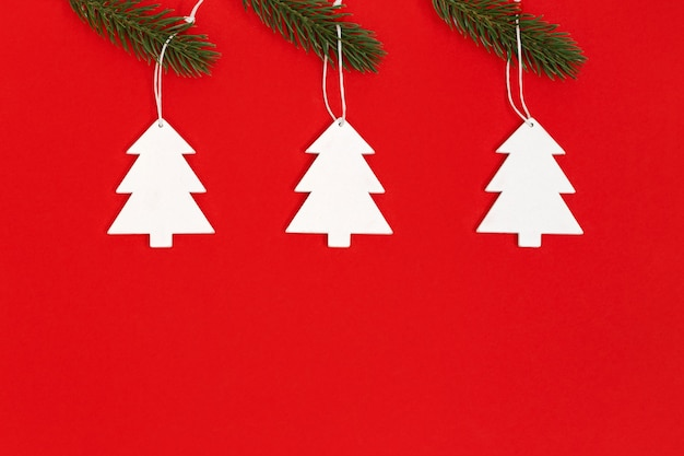 Papieren kerstboomversieringen