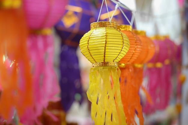 Papieren lantaarns in yee-peng festival, chiangmai thailand