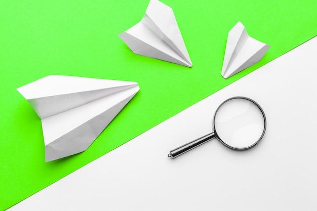Papieren vliegtuigjes