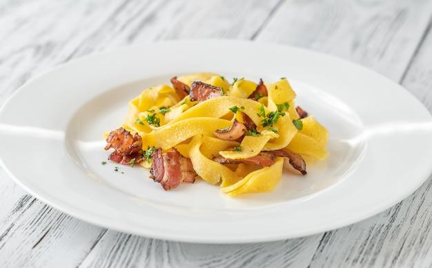 Pappardelle pasta met pancetta