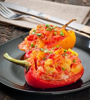 Paprika's gevuld met aardappelen en chorizo