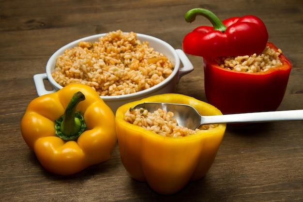 Paprika's gevuld met rijst