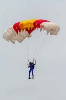 Parachutist van de papea