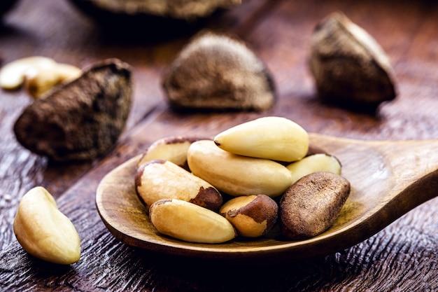 Paranoten, of boliviaanse noten, typisch voor het amazone-regenwoud, exotisch culinair ingrediënt