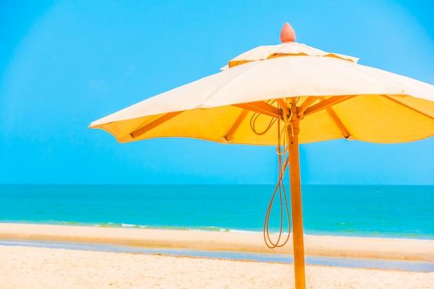 Paraplu op het strand