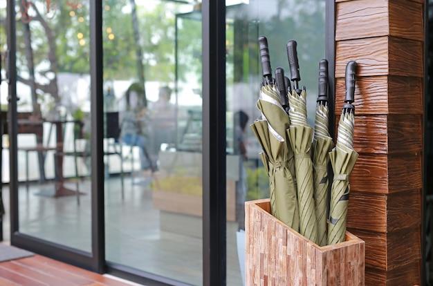 Paraplu voor gebruik in dienst voor toeristen