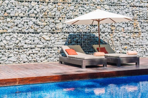 Paraplu zwembad en stoel
