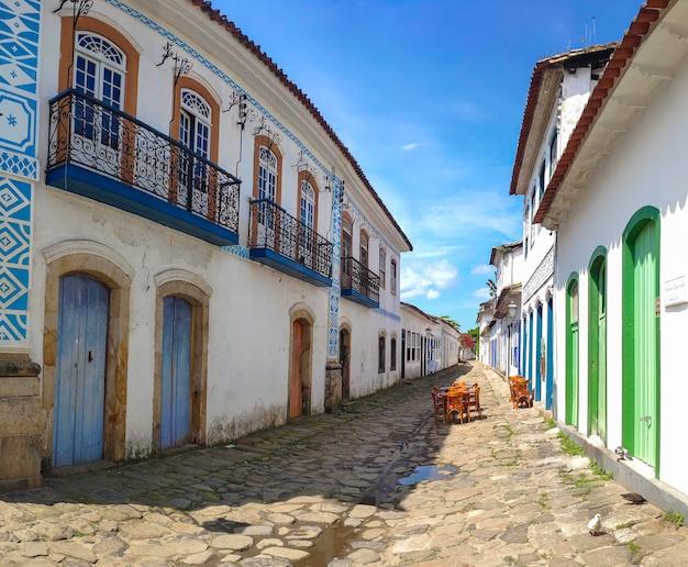 Paraty, staat van rio de janeiro, brazilië. leeg historisch centrum in pandemische tijden