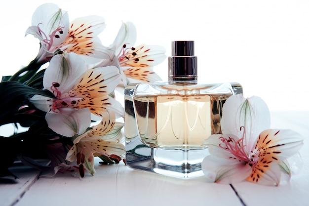 Parfum met bloemen
