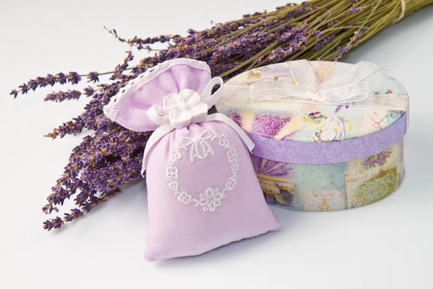 Parfum tas met lavendel parfum