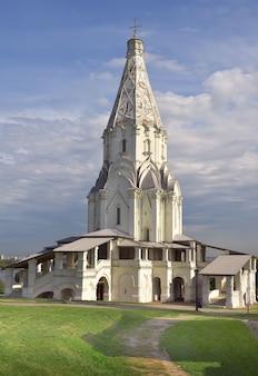 Park kolomenskoe hemelvaart kerktoren unesco monument russische architectuur van de xvi