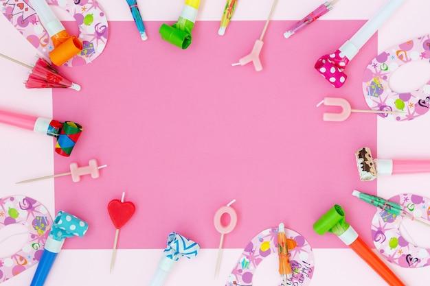 Partij achtergrond voor de viering op roze achtergrond
