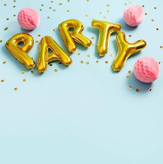 Partij ballonnen arrangement met hoge hoek