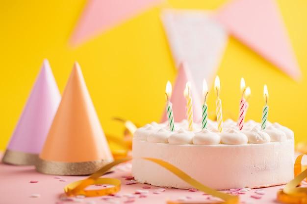 Partij verjaardag achtergrond met cake