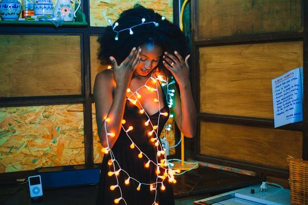 Party meisje met lichten