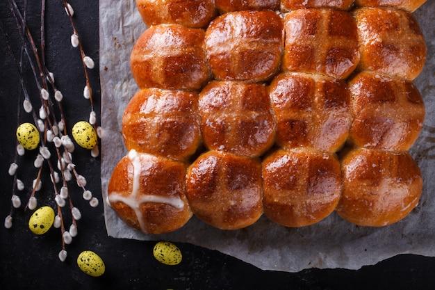 Pasen hot cross buns