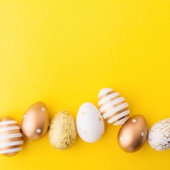 Pasen plat leggen van eieren op geel