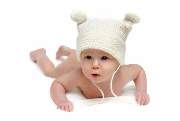 Pasgeboren baby in de geïsoleerde glb
