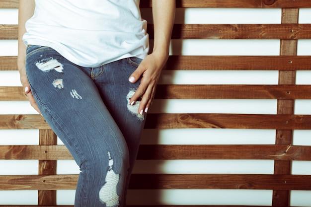 Passen vrouwelijke kont in jeans