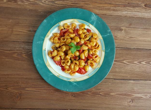Pasta alla carrettiera - siciliaans recept voor italiaanse pasta chifferi