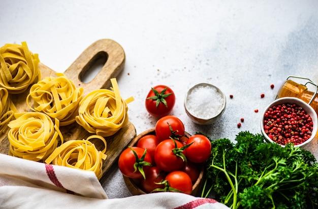 Pasta en ingrediënten concept