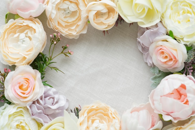 Pastel bloemen frame witte sjabloon
