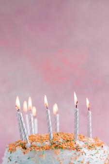 Pastelkleur verjaardagstaart