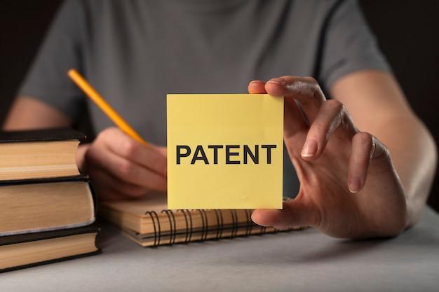 Patent woord auteur auteursrecht en beschermde rechten concept