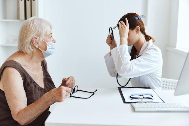 Patiënt bij de dokter medische kantoor