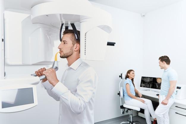 Patiënt gaan tanden roentgen