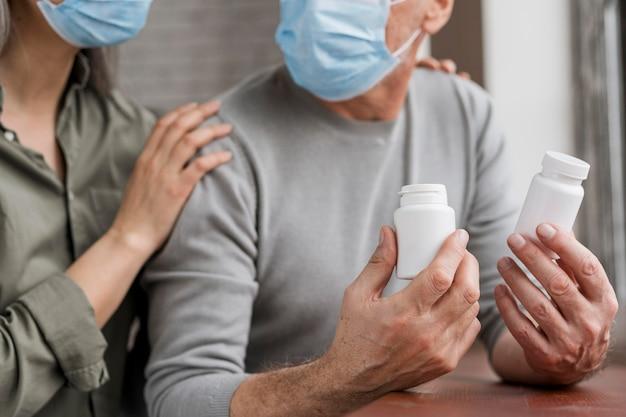 Patiënten die medische behandeling controleren