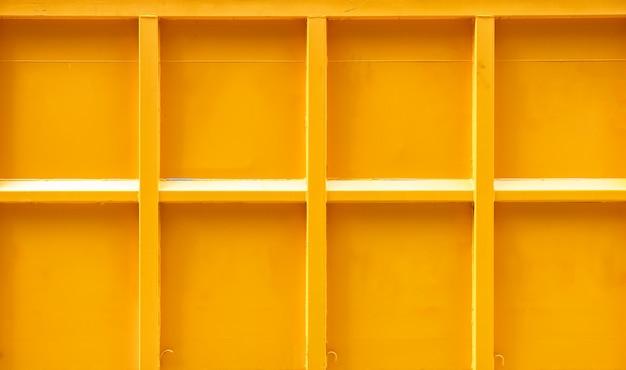 Patroon gele container vrachtwagen met gestreepte lijntextuur