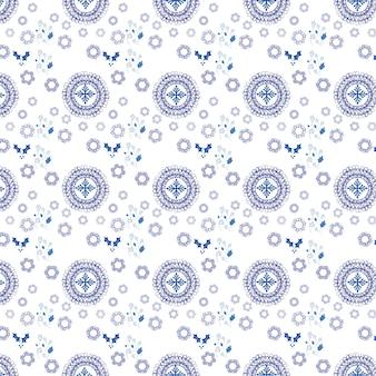 Patroon met verschillende decoratieve vormen van blauwe kleur op een witte achtergrond