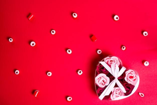 Patroon van hartsuikergoed en hartdoos