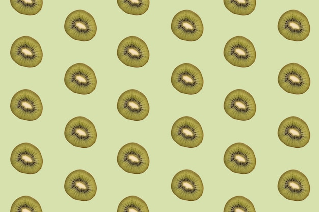 Patroon van smakelijke stukken kiwifruit