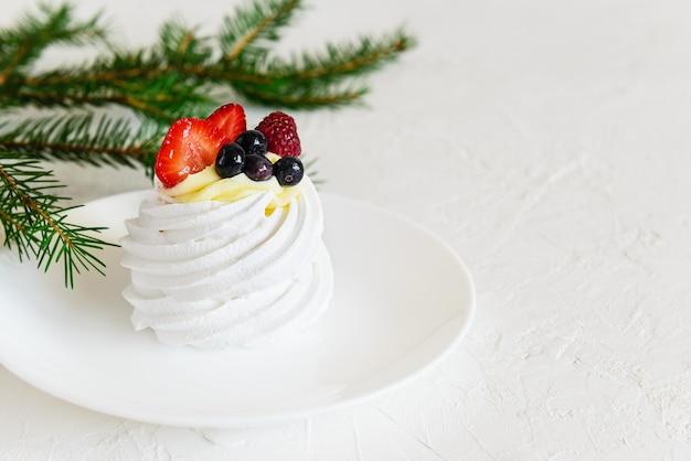 Pavlova-dessert voor de kersttijd