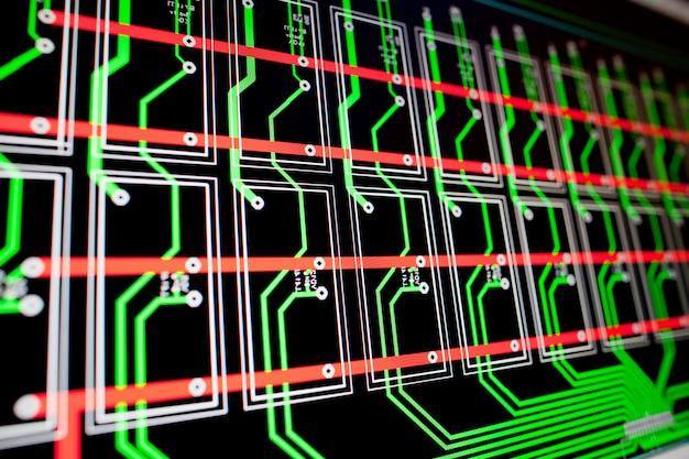 Pcb elektrisch circuit op het pc-scherm