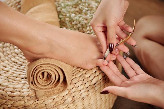 Pedicure snijden nagelriem