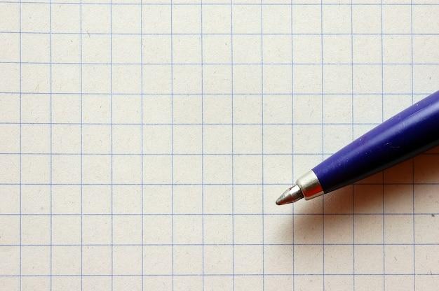 Pen en ruitjespapier