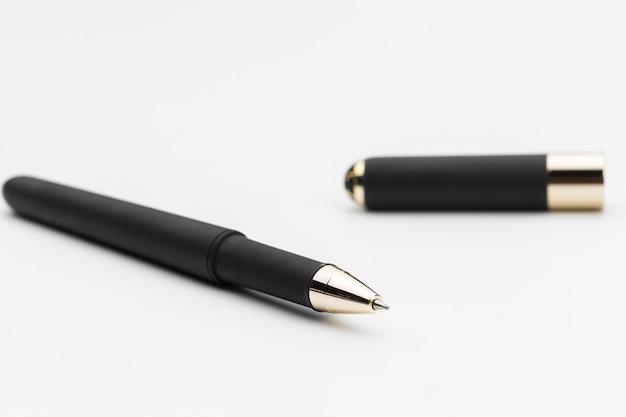 Pen op wit oppervlak